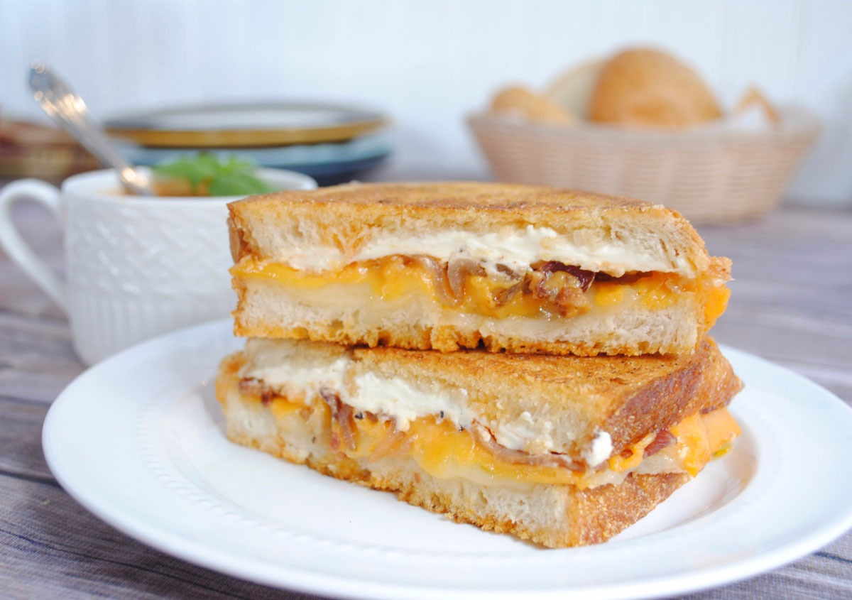 Hungry Hollow Grilled Cheese